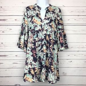 Umgee Floral Dress or Tunic V-Neck Size Medium